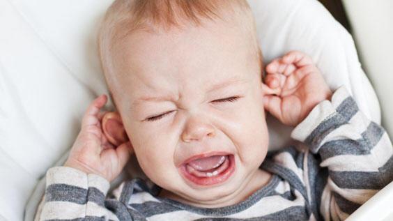 Почему плачут маленькие дети